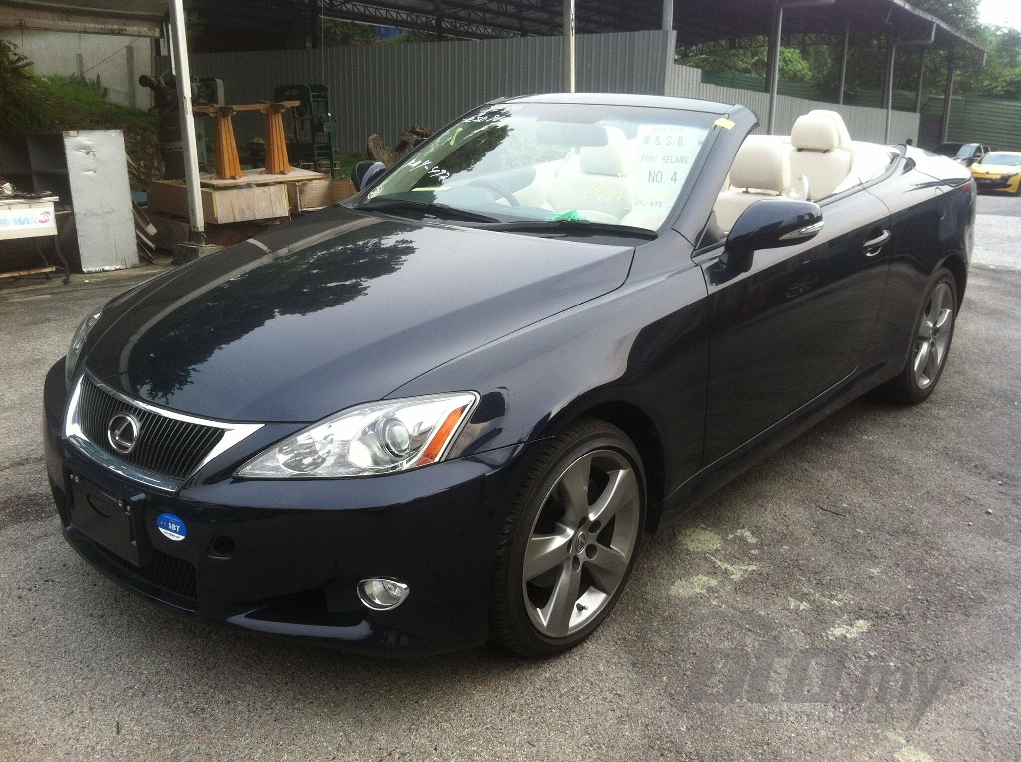 2010 recond lexus is 250 c convertible 155165. Black Bedroom Furniture Sets. Home Design Ideas