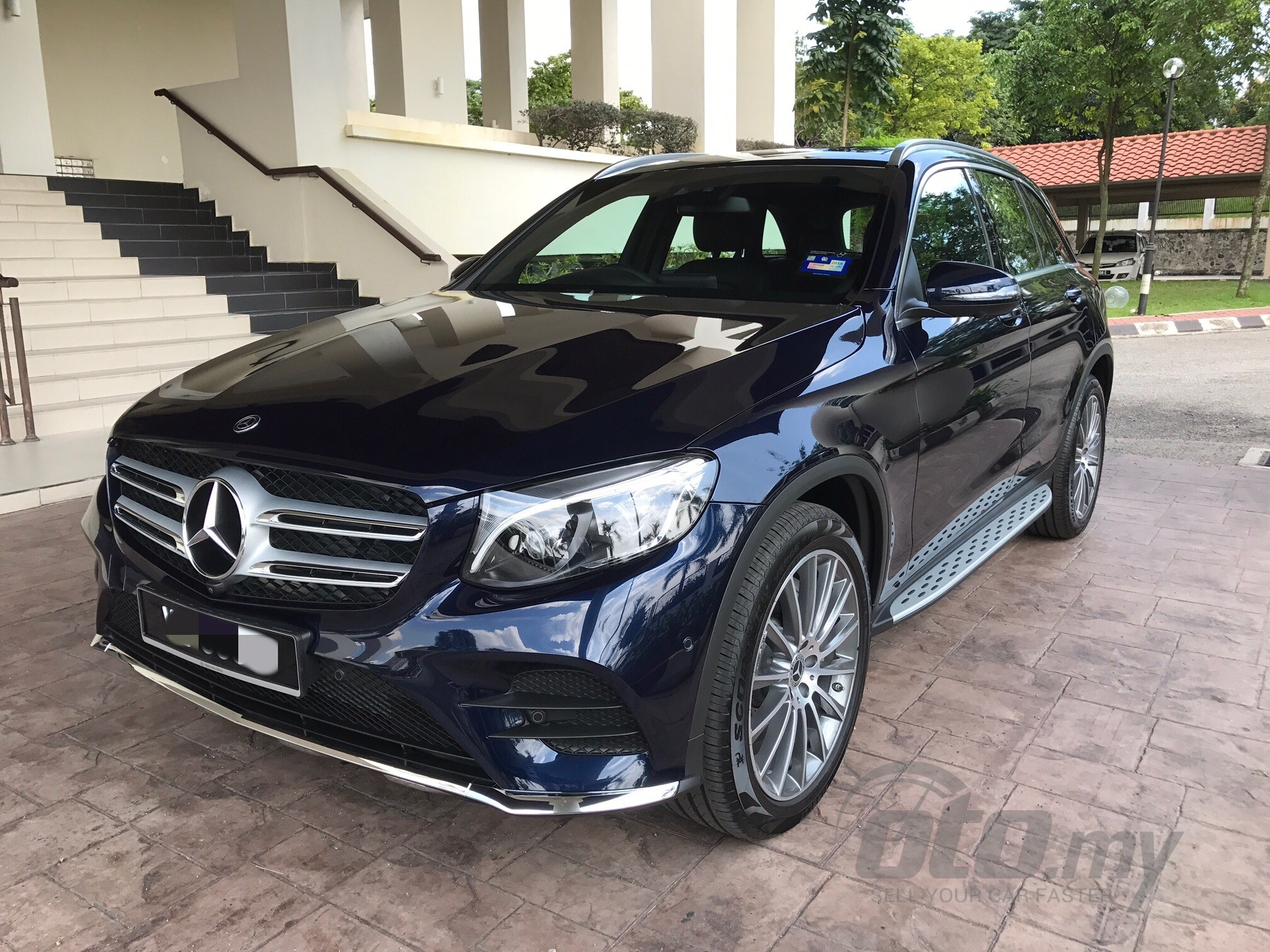 2018 new mercedes benz glc class glc 250 4matic 202721. Black Bedroom Furniture Sets. Home Design Ideas